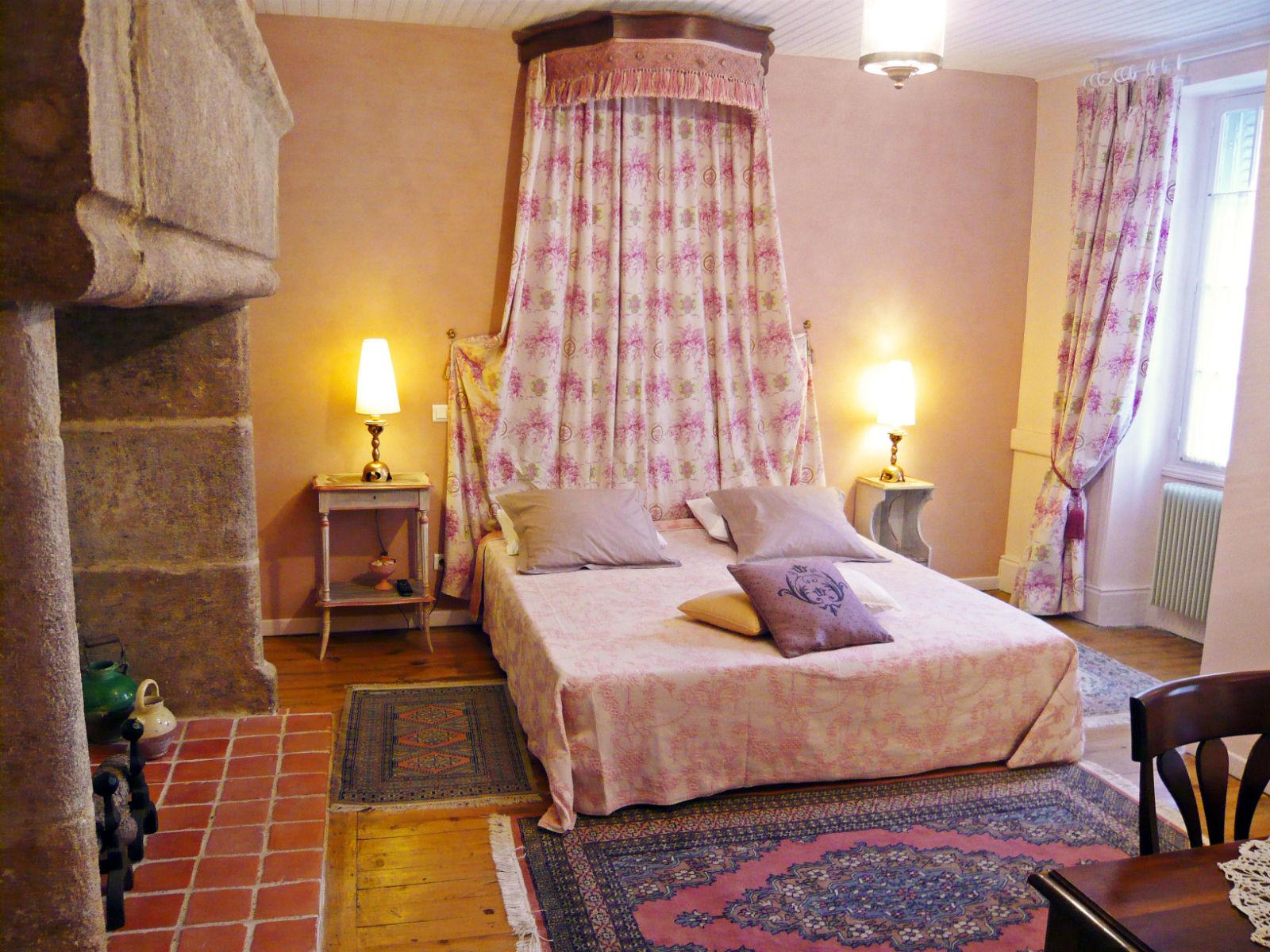 Chambre d hote lilas rose figeac 215017 la for Chambre d hote dans le lot