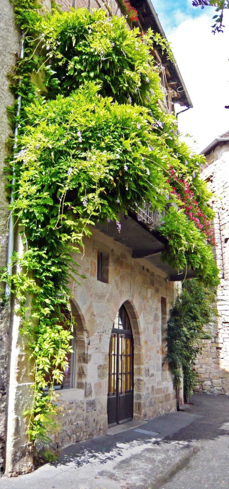Chambre d hote lilas rose figeac 215017 la for Art et maison figeac