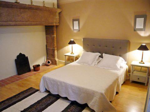 chambre d 39 h tes g te de groupe pour randonneurs figeac chambre d 39 h tes figeac g te de. Black Bedroom Furniture Sets. Home Design Ideas